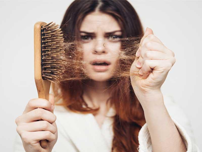 سوالاتي که افراد درباره ریزش مو میپرسند